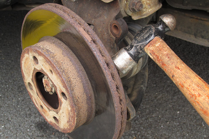 how to replace the front brakes on a 2002 hyundai accent